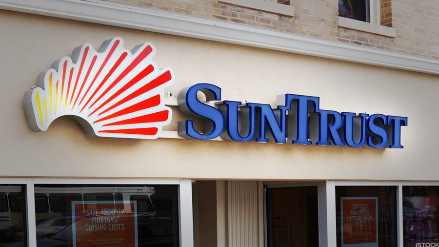 Why Jim Cramer Thinks That BB&T's Merger With SunTrust Is Important