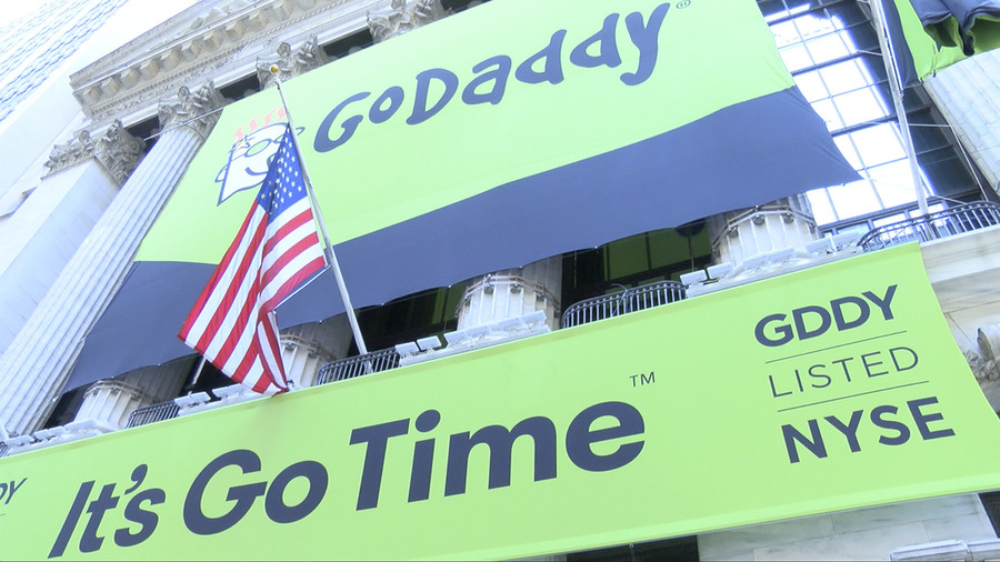Jim Cramer Explains Why He Doesnt Like Godaddy Stock Gddy Video