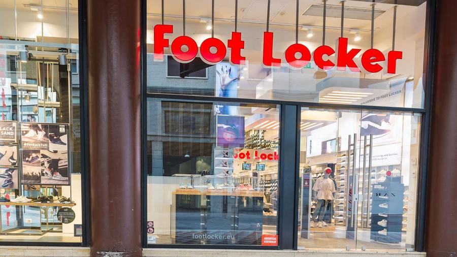 31610d46 From Woolworth to Foot Locker, the Story Behind the Shoe Retailer (FL) -  TheStreet